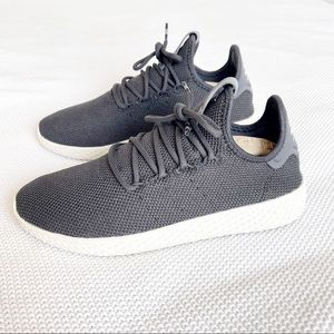 Adidas Pharrell Williams Tennis HU Carbon / White